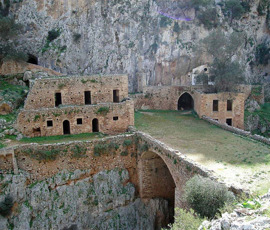 agios-ioannis-katholiko-abandoned-monastery-akrotiri-chania-crete-2