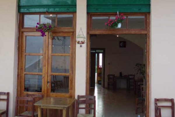 annas-tavern-coffee-shop-voutas-paleochora-south-chania-crete