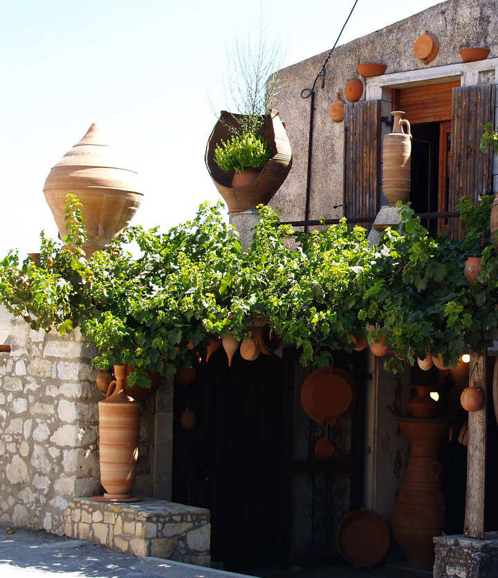 ceramics-handcrafts-margarites-village-crete