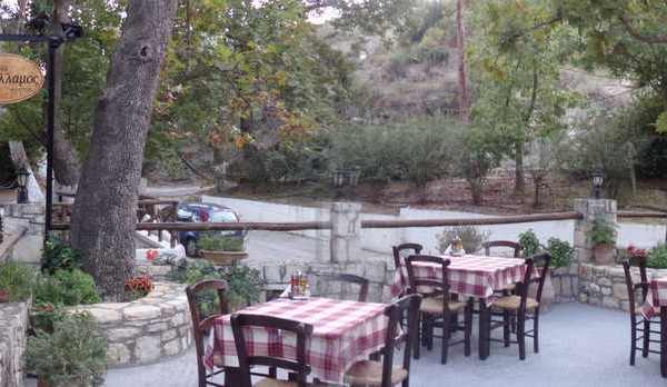 illamos-tavern-local-cousin-traditional-cretan-diet-archanes-houdetsi-heraklion-crete