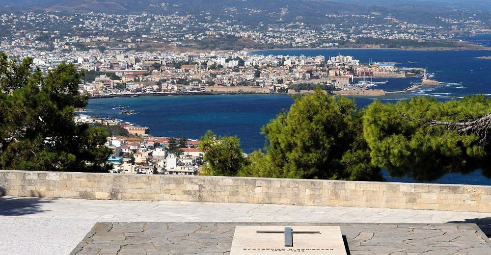 venizelos-tombs-panorama-chania-crete.jpg