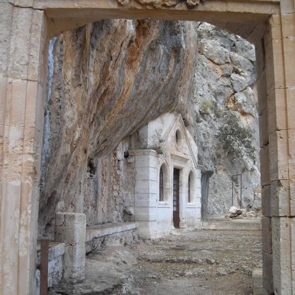 monastery-katholiko-saint-john-the-hermit-moni-gouvernetou-akrotiri-chania-crete