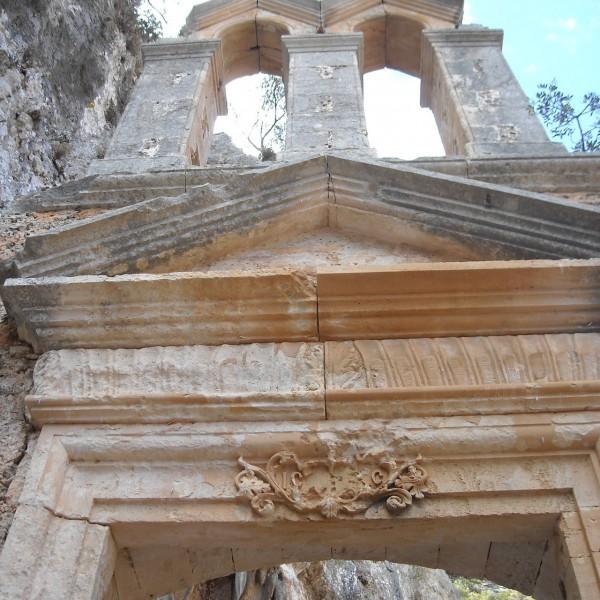 monastery-of-katholiko-agios-ioannis-o-erimitis-hermit-akrotiri-chania-crete