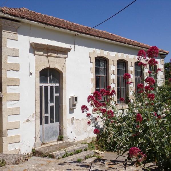 old-school-ampelakia-rethymno-crete